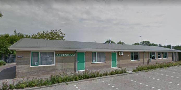 De buitenkant van sportpark Robbenplaat, de thuisbasis van de voetbalclub