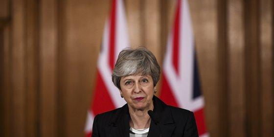 May en de EU gaan samen het Lagerhuis onder druk zetten
