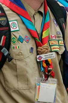 Drie jaar cel en tbs voor scoutingleider (20) die minderjarige meisjes betastte in Ommen