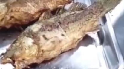 Gebakken vis 'komt tot leven' in Chinees restaurant