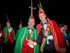 Wilfried Foesenek krijgt Boemeldoncker uitgereikt