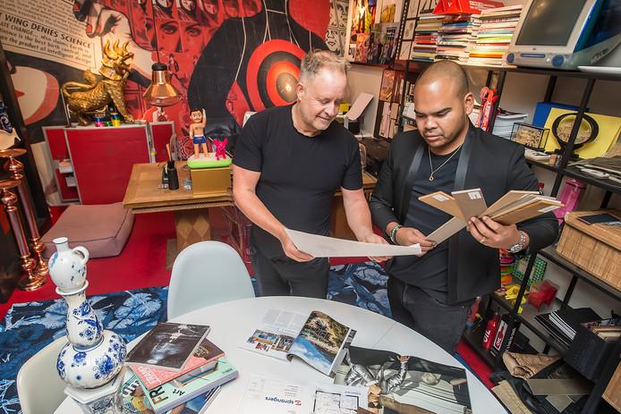 De Oosterhoutse ontwerpers Peer Akkermans (l) en Brian Jacobs werken nu ook mee aan het RTL-woonprogramma 'Eigen Huis & Tuin'.