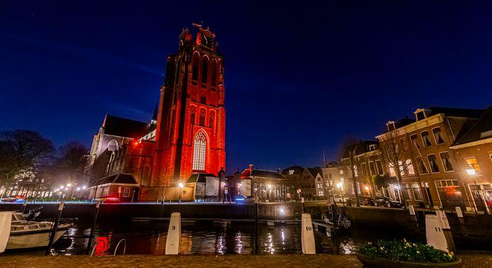 De oranjegekleurde Grote Kerk