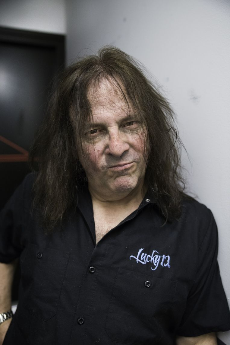Gitarist Ross the Boss. Beeld Romi Tweebeeke