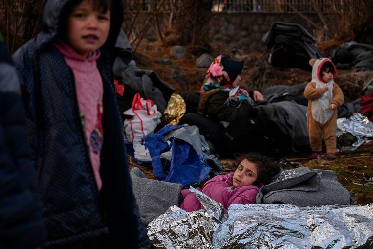 Vluchtelingenkinderen op het Griekse eiland Lesbos.  Beeld AFP