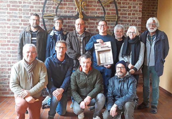Kunst in Lege Huizen heeft volgend weekend plaats in het leegstaande gemeentehuis van Mazenzele.
