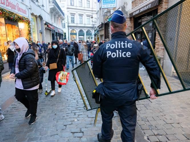 Politie grijpt in nadat er opnieuw te veel volk opdaagt op Brusselse Grote Markt - Voorzitter Nederlands Veiligheidsberaad roept op bij drukte iets te doen aan toeloop Belgen