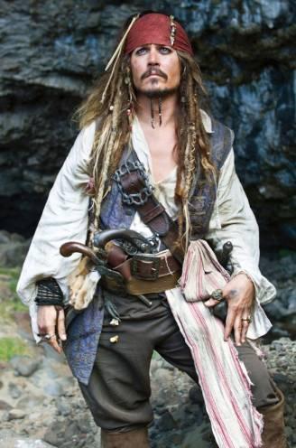 Zijn ster is tanende en de kosten stapelen zich op: Johnny Depp moet goochelen met miljoenen