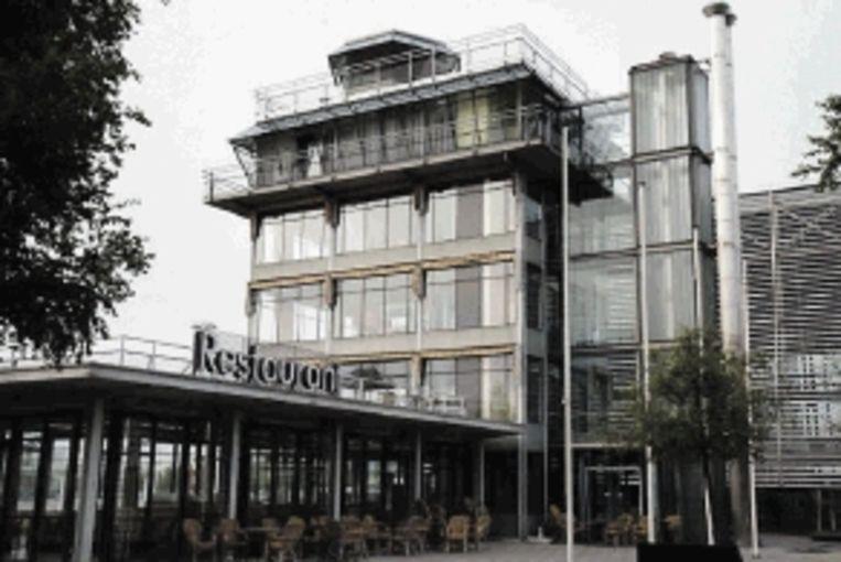Oude Verkeerstoren Schiphol Oost. ( Foto: Podium Architectuur Haarlemmermeer ) Beeld