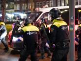 Zestig mensen opgepakt om avondklokrellen in Rotterdam, politiechef meldt tien gewonde agenten