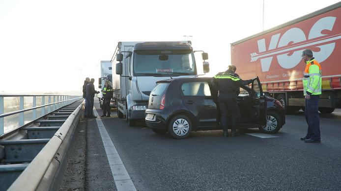 De automobilist kwam met de schrik vrij bij het ongeluk op de A1.
