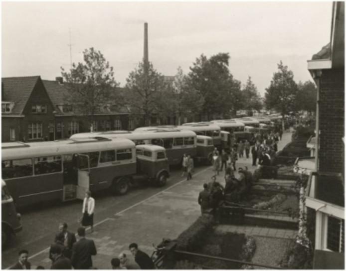 Philips zorgde vroeger ook voor het vervoer van de medewerkers die ver weg woonden.
