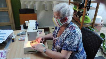 Vrijwilligers kunnen niet meer voor rusthuis werken, dus stikken ze massaal mondmaskers voor personeel