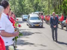 Rode Kruis-vrijwilligers brengen laatste groet aan afdelingsvoorzitter