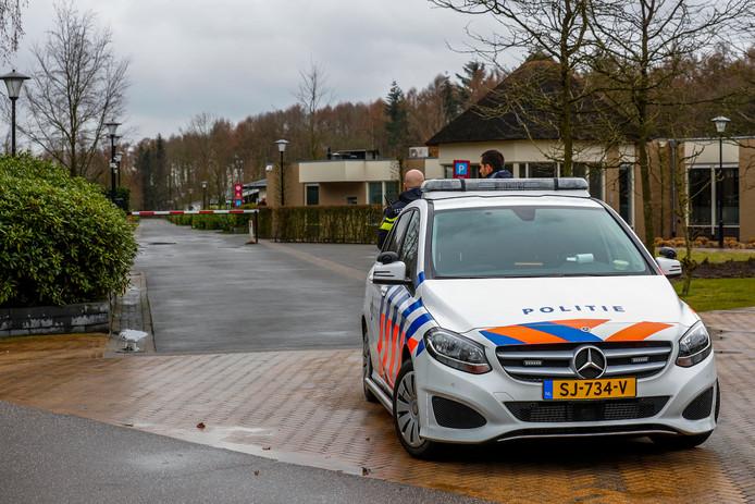 Grote politieinval op Molenvelden Veldhoven Hoort bij NVS. 143338342  is betaald april 2019 dus die alleen gebruiken.