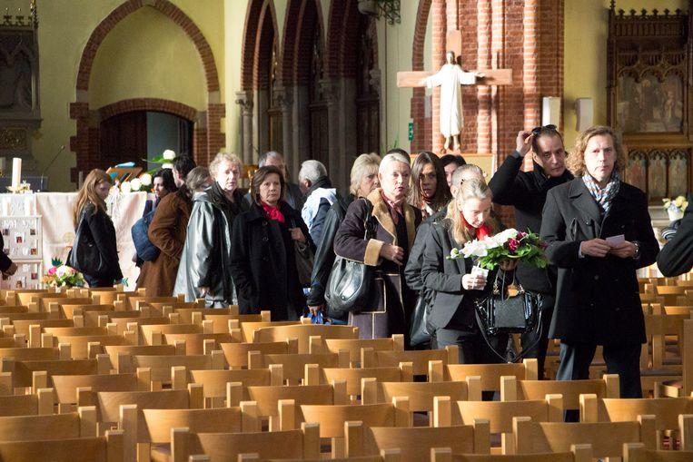 Collega's van de vermoorde Koen Bliki, maar ook de moeder van de moordenaar, woonden de dienst bij.