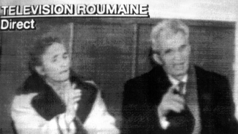 1989: De geheime berechting van Nicolai en Helena Ceausescu op televisie. De Roemeense ex-president en zijn vrouw werden daarna terechtgesteld. Beeld