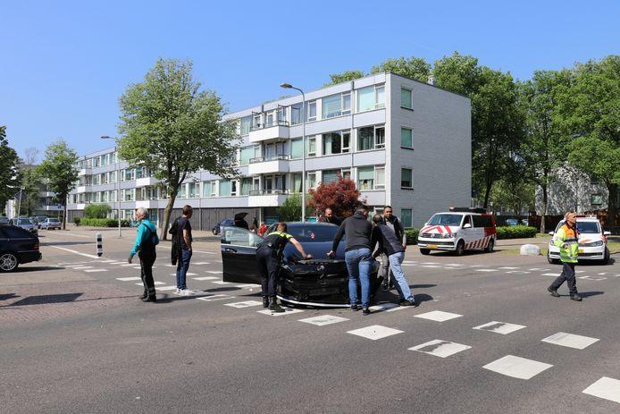 Vanmiddag botsten twee auto's op elkaar in Overvecht.