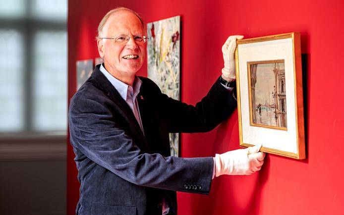 Gerard Raven, vertrekkend conservator en hoofd collectie van Museum Flehite.