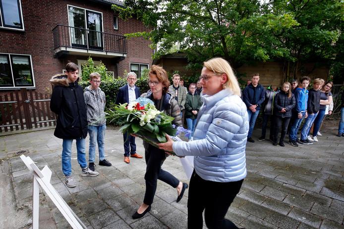 Eerder dit jaar was er nog een kleine herdenking bij het monument in Hardinxveld-Giessendam.