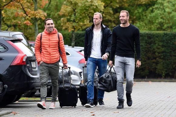 De drie nieuwkomers van AA Gent maken hun intrede: Kums, Sels en Depoitre goedgeluimd.