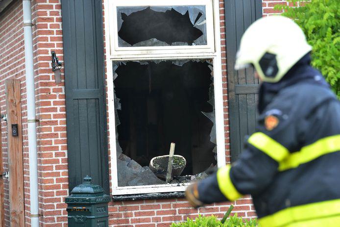 Een woning aan de Kerkeheidestraat in Sprundel is uitgebrand.