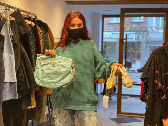 Helena in haar nieuwe winkel 'Mood'.