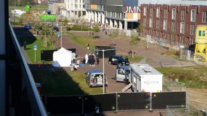 Onderzoek van de politie op de plaats delict in Arnhem.