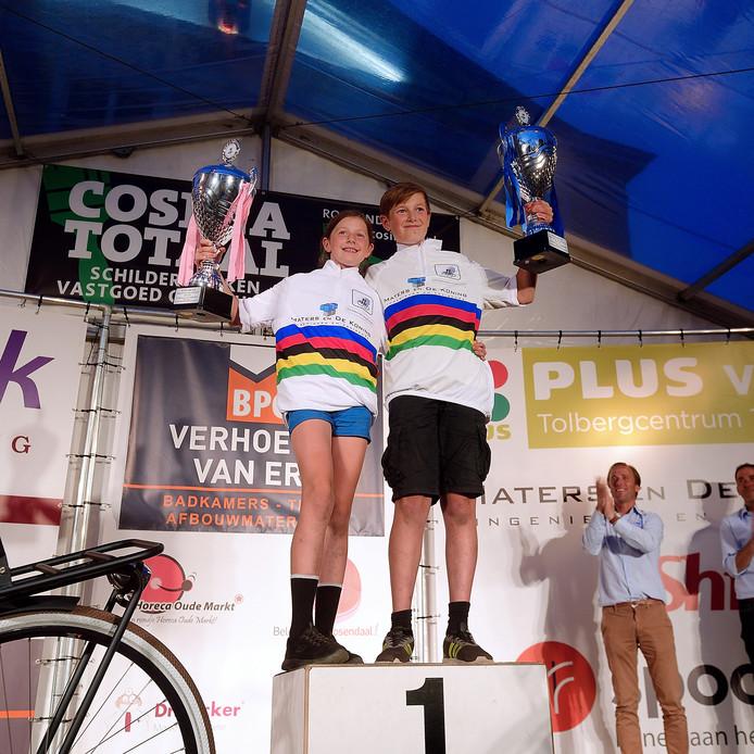 Winnaars broer en zus amy en ryan de bruijn bij de nationale jeugdronde in Roosendaal .Foto Peter van Trijen /pix4profs