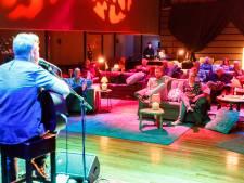 Vijftien bezoekers genieten van concert in heropend Vestzaktheater in Steenwijk