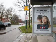 Geen censuur in Veenendaalse bushokjes: reclame voor omstreden datingsite toegestaan