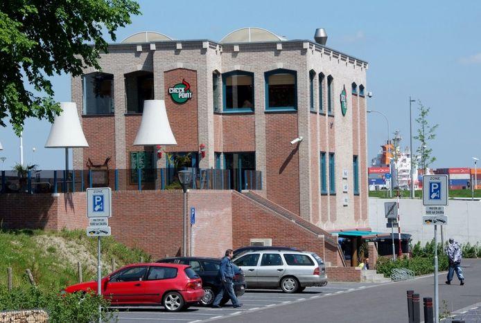 De voormalige coffeeshop Checkpoint, aan de rand van de Terneuzense binnenstad en op steenworp afstand van de Westerschelde