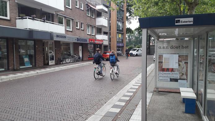 De bushalte aan de Carmelietenstraat in Oss.