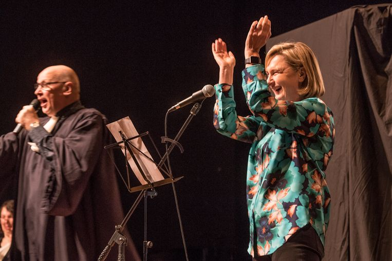 Een rappende minister Hilde Crevits