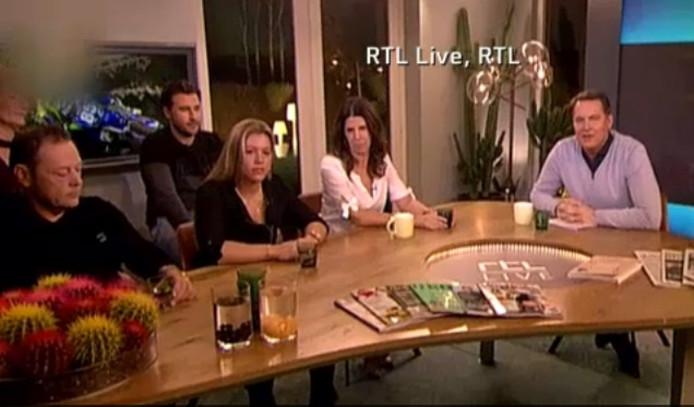 De familie Van de Ven aan tafel bij Albert Verlinde.
