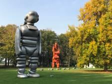 Enorme Zwolse sculpturen op Lowlands