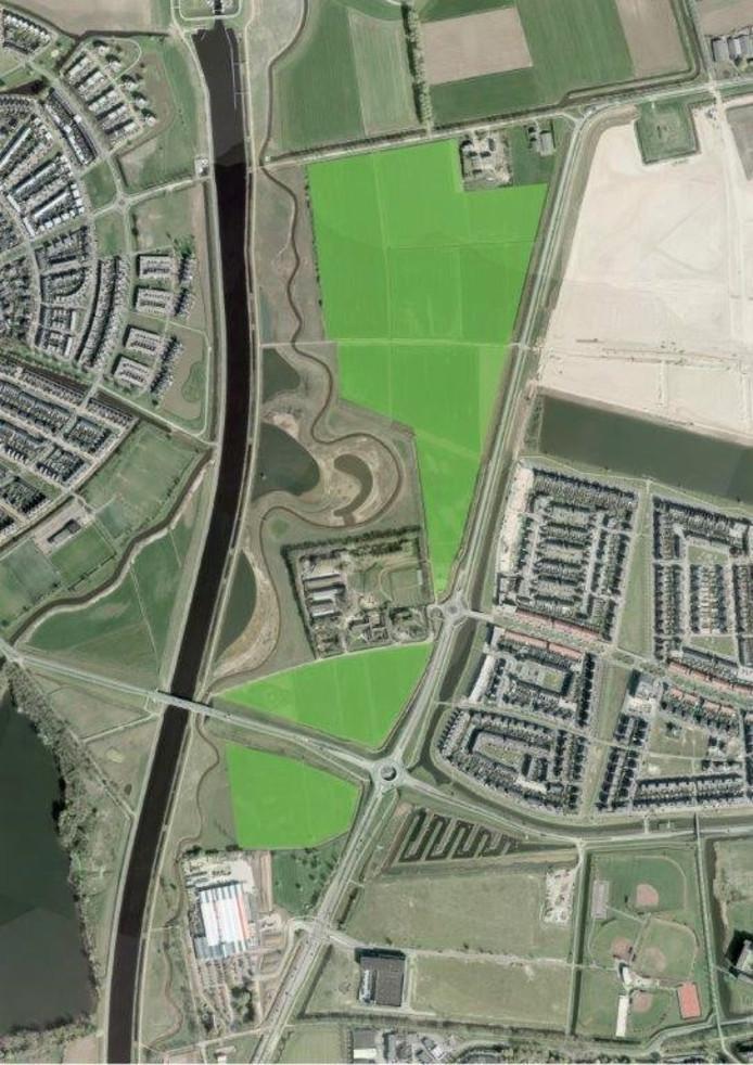 De felgroene gedeelten op de kaart zijn de percelen die als natuurpark moeten worden ingericht.