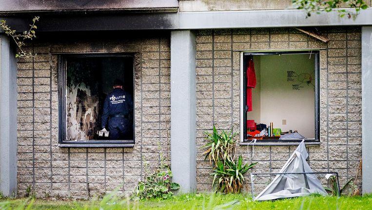 De brand woedde op de begane grond van de studentenflat aan de Rode Kruislaan in Diemen. Beeld anp