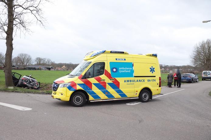 Twee auto's kwamen vanmiddag in het buitengebied van Luttenberg met elkaar in botsing.