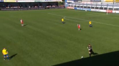 VIDEO: Doelman knalt bal opzettelijk in dug-out van tegenstander (en krijgt prompt zijn C4)