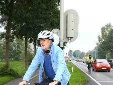 Gedeputeerde op snelle e-bike bijna aangereden: 'Dan schrik je best'