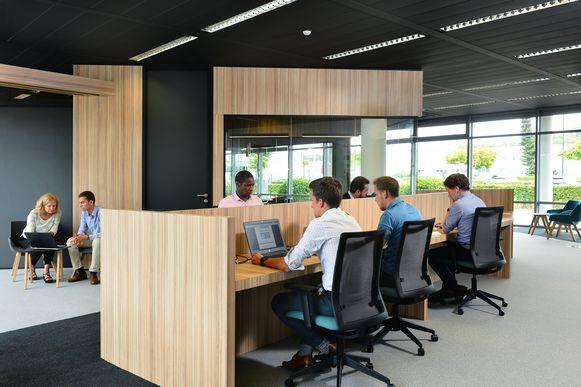 De coworkingsruimte bij Siemens in Huizingen wordt opnieuw opengesteld voor blokkende studenten.