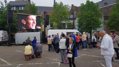 AFSCHEID PAUL SEVERS: Eerste fans stromen toe in Halle om afscheid te nemen van Paul Severs in Sint-Martinusbasiliek