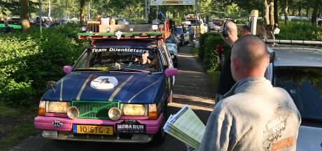 Coureurs en artiesten rijden in 228 gepimpte barrels van Wanroij naar Balatonmeer