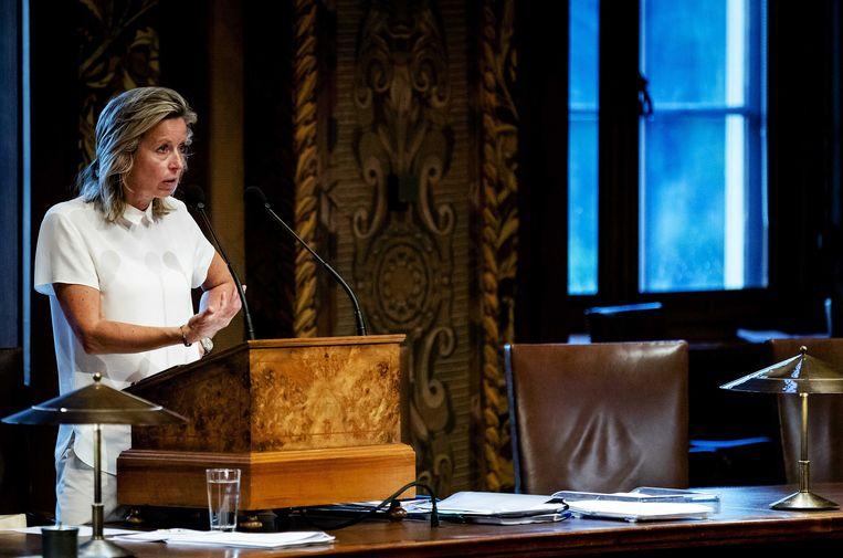 Kajsa Ollongren verdedigt haar intrekkingswet in de Eerste Kamer. Beeld ANP