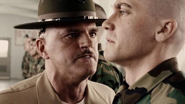 Jake Gyllenhaal (rechts) in Jarhead van Sam Mendes. Beeld