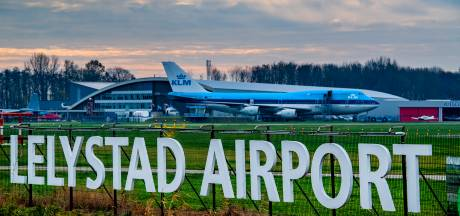 Minister buigt voor Brussel: toch nieuwe vluchten op Lelystad Airport