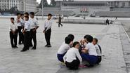 Kim Jong-un haalt leerlingen 3 uur vroeger uit hun bed