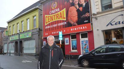 Facebookgroep 'Ge Zijt van Ninove Als Ge...' bezoekt 100-jarige Cinema Central