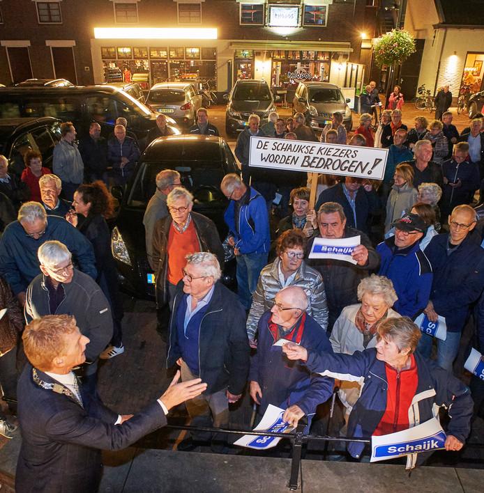 Op 24 oktober protesteerden inwoners van Schaijk in groten getale tegen fusie van Landerd met Uden.